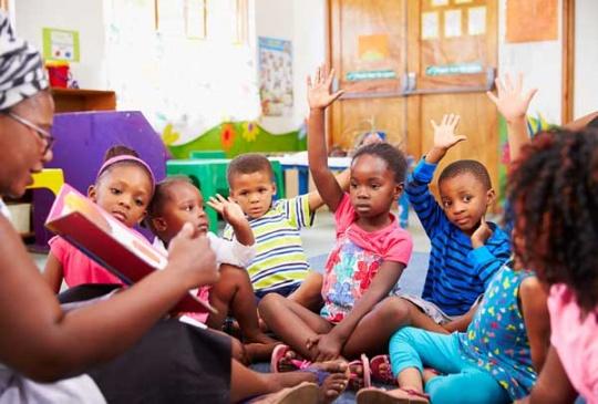 کودکان پیش دبستانی در کلاس آموزشی1