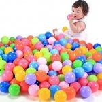 ۱۰ تا از بازی های مفید کودکان از تولد تا ۲ سالگی