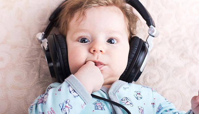 تصویر از ۱۰ آهنگ تولد کودکانه فوق العاده زیبا که حتما باید دانلود کنید!