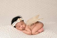 نوزاد دختر تازه متولد شده ۱۶4