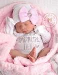 نوزاد دختر تازه متولد شده ۲
