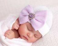 نوزاد دختر تازه متولد شده ۲۶