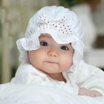 نوزاد دختر تازه متولد شده ۳۹