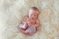 نوزاد دختر تازه متولد شده ۷