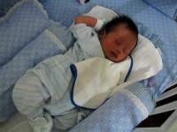 نوزاد پسر تازه متولد شده ۲۵