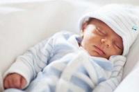 نوزاد پسر تازه متولد شده ۴۳