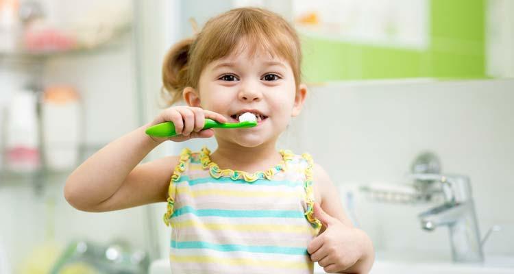 kid-brush-teeth-child-children