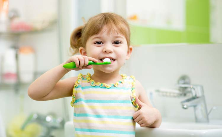kid-brush-teeth-child-children
