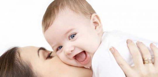 بوسیدن-نوزاد۵
