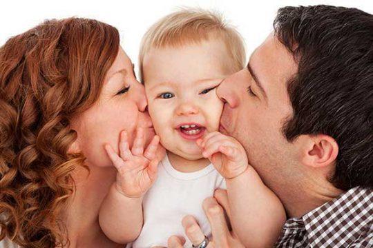 بوسیدن-نوزادان