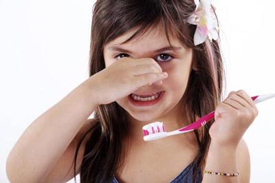 مسواک زدن دندان