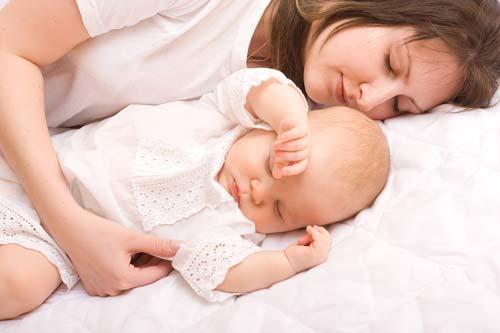 مادر-خوابیده