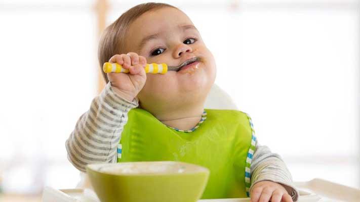 تغذیه-نوزاد۱