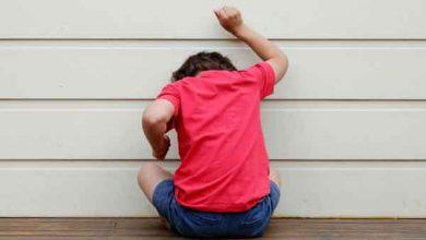 تصویر از خودزنی کودک یک ساله: علت و بهترین روشهای درمان خانگی