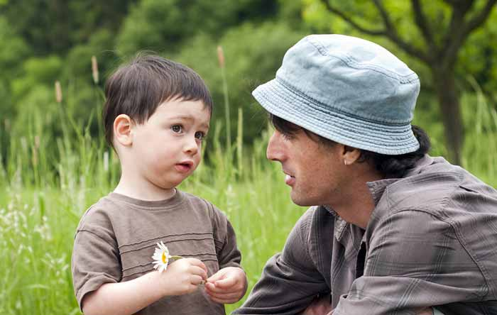 حرف زدن کودک