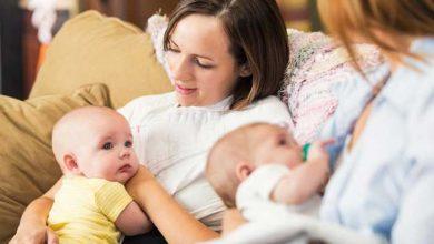 تصویر از نگرفتن سینه مادر برای شیر توسط نوزاد: علت و روشهای ساده درمان