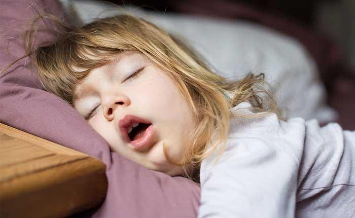 کودک خوابیده