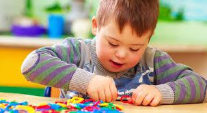 تصویر از علائم نوزاد عقب مانده: علائم، علت و بهترین روشهای مدیریت