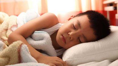 تصویر از خواب کودک اوتیسم: مشکلات و بهترین درمانهای موثر (تحقیقات جدید)