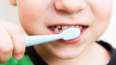 تصویر از فواید مسواک زدن کودکان چیست؟ از چه سنی باید شروع کنند؟