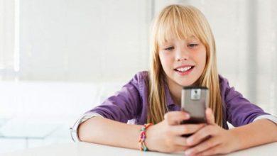 تصویر از استفاده کودکان از موبایل خوب است یا بد؟ تاثیر امواج آن؟
