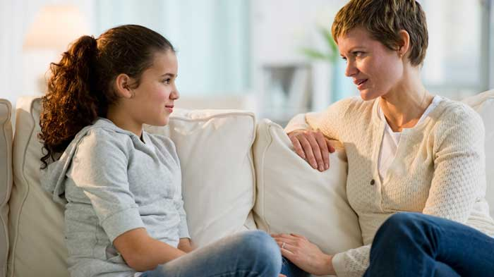 کودک در حال صحبت کردن